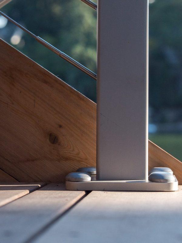 close-view-aluminum-handrail-base